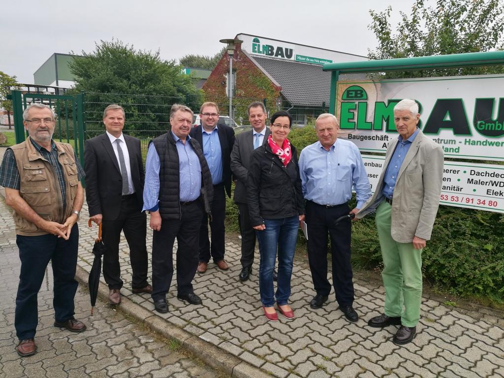 Beim Firmenbesuch dabei: Kurt Bötel, Marc Schneider, Günter Lach MdB, Jobst Dreß, Dirk Ebrecht von der FIBAV, Veronika Koch, Falk Gerecke, Rüdiger Kahmann (v.l.n.r.)