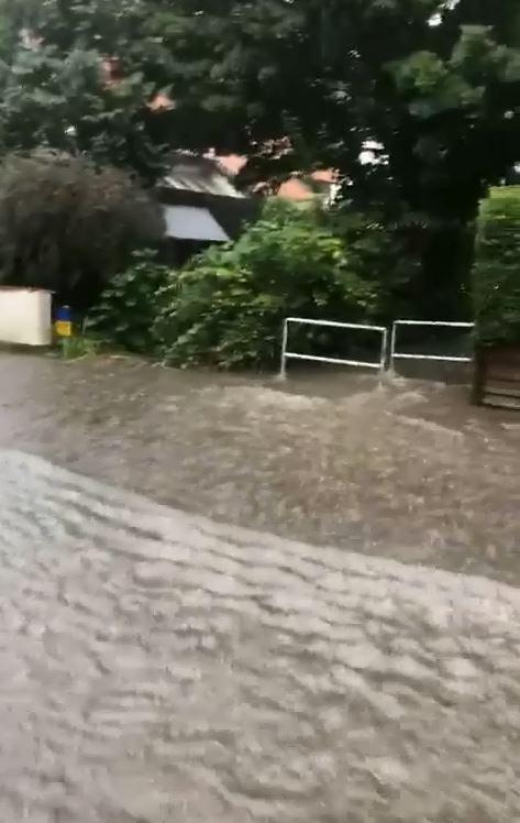Überflutung des Gerichtswegs in Königslutter am 15.08.2020